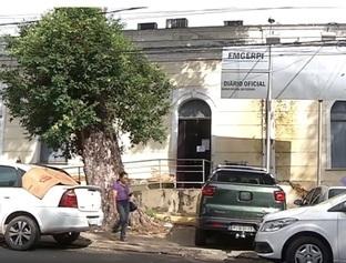 Após desabamento de parte do teto, prédio da Emgerpi é evacuado