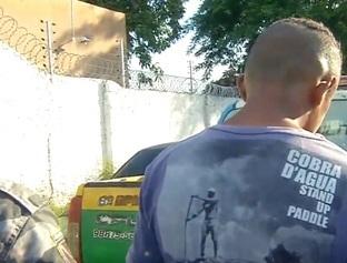 Menor é preso com simulacro de arma de fogo no Dirceu