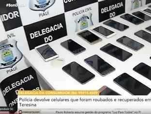 Polícia devolve celulares que foram roubados e recuperados em Teresina