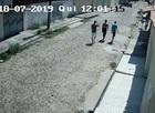 Criminosos roubam no momento que carro se preparava para estacionar