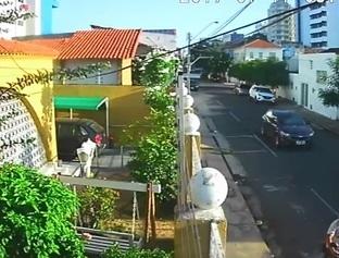 Câmera registra fuga de acusado de tentar matar estudante
