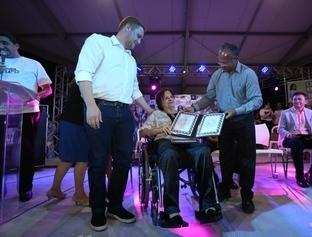 Maria da Penha recebe título de cidadã teresinense