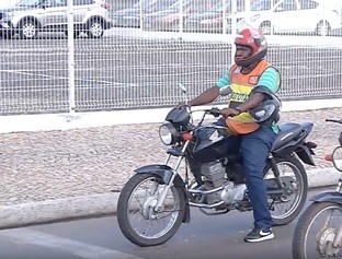 Aplicativo de mototáxi está disponível em Teresina