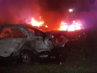 Incêndio atinge delegacia abandonada e destrói veículos em Picos