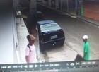 Menores roubam veículo de empresária e colidem com poste em Teresina