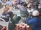 Dupla invade supermercado e faz arrastão em Teresina