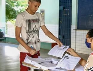 Enem: Professora estimula a prática da redação via WhatsApp no Piauí