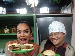 Receita do dia: hamburguer duplo com cebola caramelizada