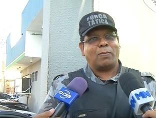 Homem é preso em assistência técnica com vários celulares desmontados