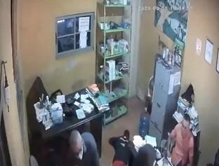 Quadrilha invade e faz arrastão em escritório de cerâmica em Teresina