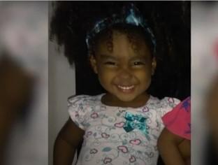 Criança de dois anos morre com tiro na cabeça durante tiroteio