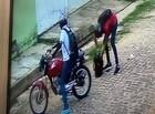 Polícia tenta prender dupla suspeita de cometer mais de dez assaltos